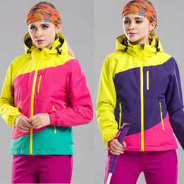 Wholesale Men And Women Skiing Jackets Two Piece Suit Removable Thick Liner Wind And Cold Skiing Wear Outdoor Jackets factory Outlet