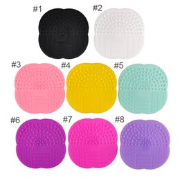 1 PC 8 cores Silicone Cleaning Cosmetic Make Up Lavagem Escova Gel Cleaner Scrubber Tool Foundation Maquiagem Limpeza Mat Pad Tool Rated cleaning makeup brushes promotion de Fornecedores de escovas de limpeza de maquiagem