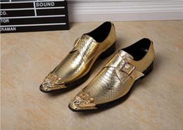Promotion chaussures robe de moine Chaussures en cuir véritable pour hommes Chaussures de luxe en or pour affaires formelles Chaussures Brogues Fête de banquet Boucle Oxfords Hommes Monk Strap Chaussures