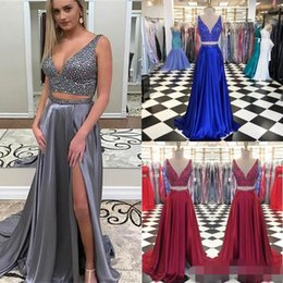 2017 robes satinées en satin de fuchsia 2017 Sexy Two Pieces Long Satin Robe de bal A Line V Cou Backless Cristaux Side Slit Grey Bourgogne Femmes Formal Party Dresses Party Gown robes satinées en satin de fuchsia à vendre