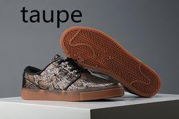 Wholesale 2017 Stefan Janoski Top Quality Swoosh Free Sport Walking Men ShoesSupreme x Tennis Classic Casual Shoes