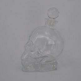 Vente chaude de différentes tailles de spiritueux whisky verre bouteille crâne tête en forme de verre de vin vodak bouteille avec bouchon glass wine stoppers for sale à partir de verre bouchons de vin fournisseurs