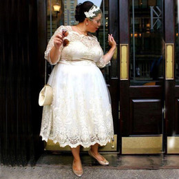 Tea Length Plus Size Wedding Dress A Line Illusion Bateau Neck Custom Made Lace Appliques Bridal Gowns with Sleeves