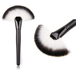 Wholesale Soft Makeup Large Fan Brush Blush Powder Foundation Make Up Tool big fan Cosmetics brushes