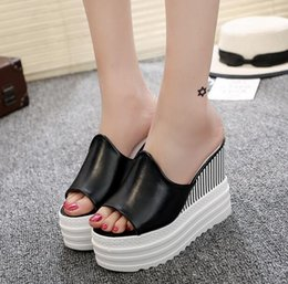 2017 new lady muffin thick bottom slope with non slip flat beach simple high-heeled shoes summer cool word drag