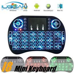 I8 teclado de juego Air Mouse Control remoto inalámbrico retroiluminación ROJO + Verde + Azul Luz con Touchpad Handheld para MXQ S905X S905 S912 TV BOX desde teclado para juegos de luz de fondo azul fabricantes