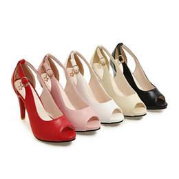 Promotion chaussures habillées pour les femmes prix Grossiste prix d'usine libre de vente en gros chaussures habillées chaudes de chaussure de femmes de talons hauts de cuir de vernis de couleur noire des orteils de peep