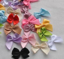 Promotion arcs décorations mariage Grossiste-20pcs Mini Satin Ruban Fleurs Archets Cadeau Artisanat Décoration De Mariage Upick A0023