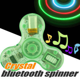 Wholesale Bluetooth Fidget Spinners LED Light Spinner de main Spinner de musique Lights Chargeur USB avec interrupteur Spinner sans fil avec kit de vente au détail