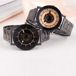 Wholesale Aliexpress explosion air strip Mens watch foreign trade for cash spot petals non mechanical table