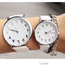 Mujer del estilo de reloj resistente al agua en Línea-Las nuevas mujeres de los hombres del reloj de manera cuero impermeabilizan los relojes simples de los pares del cuarzo del estilo para los regalos masculinos de las señoras Relogio Masculino Reloj Hombre