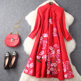 Wholesale Europe and the United States women s new winter Collar button heavy posed dress embroidered linen