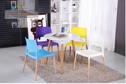 Wholesale bedroom chair study stool PP seat wood leg furniture shop exhibition chair retail garden villa chair smoking area stool