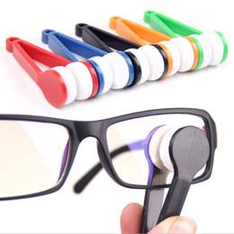 La limpieza de lentes de gafas en venta-2017 Los lentes superventas del limpiador de la microfibra de la lente de las gafas de los anteojos de la lente esencial limpian la herramienta