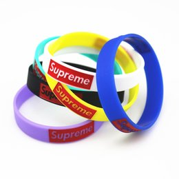 Wholesale 2017 Hot fashion silicone wristbands Tide brand color silicone wristband Bracelet