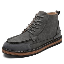 2017 New Retro Hight Quality Genuine Leather Mens Winter Boots Lace Up Warm Snow Boots Martin Boots Boys High-top Shoes10-2