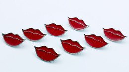 20 PCS red lips, pin accessories, provide production.Used for denim jackets, hats and other decorative brooches