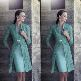2019 Turquoise Plus Size Mother Of Bride Dress with Jacket Long Sleeves Vintage Lace Knee Length Satin Cheap Bride Groom Prom Gowns