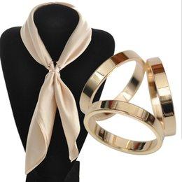 Vente en gros 2016 Nouvelle Mode Tricyclique Echarpes Écharpes Boucle Luxueuse Simple Femmes Fille Party Cadeau Trois Anneaux Soie Echarpe Bijoux Accessoires à partir de foulards gros anneaux fabricateur