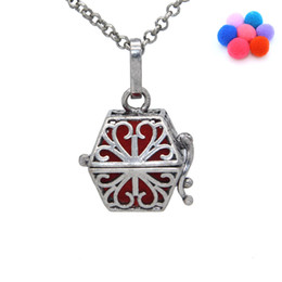Compra Online Bola jaula-Antique Silver Aromatherapy Jewlery Flor hueco de la jaula Locket Magic Box colgante collar Difusor de aceite esencial con 7 lanzamiento de algodón Bolas
