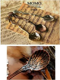 Wholesale New Fashion Unique Retro Vintage Antique Palace Carved Coffee Shell Spoon Tea Ice Cream Scoop Ice cream Gift