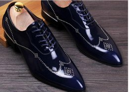 Spring and summer in England winklepicker shoes lace carved rivets Korean wedding shoes leather shoes increased hair
