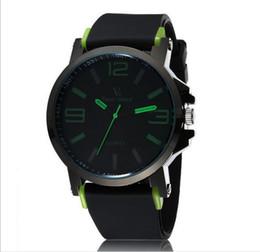 La montre-bracelet pour hommes à vendre-V6 0195 Hommes Montre Super Speed Big Numéro de cadran Rubber Poignet Quartz Roundness Stainless Steel Metal Slass 24 Heures Instructions Meilleur vendeur