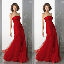 Wholesale elegant long red evening dresses strapless a line floor length pleated tulle christmas party gowns wedd ing guest dress