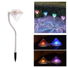 Voies d'aménagement paysager en Ligne-Lumières solaires de participation de diamant conduit la couleur changeant la pelouse de jardin