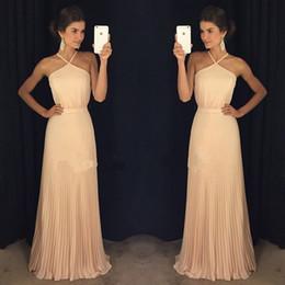 vestido de madrinha Simple Long Prom Dresses A Line Halter Neck Gorgeous Pleats Sleeveless Evening Gowns Cheap Bridesmaid Dresses