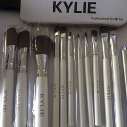 Wholesale Kylie Makeup Brushes set Professional Eyeshadow Brush Set Foundation Powder Beauty Tools Cosmetic Brush Kits with Retail Box
