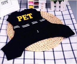 2017 primavera artículos para mascotas ropa para mascotas perro ropa VIP peluche cuatro pies especiales promociones desde fuentes del perro muelles fabricantes