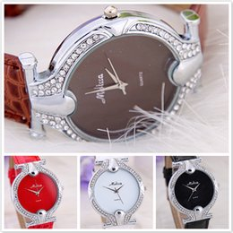 Free Shpping Fashion Wrist Watch High Quality 2017 Top Fasion Type Cute Fish Shape Lady Rhinestone Four-color Diamond Watches 4 Colors