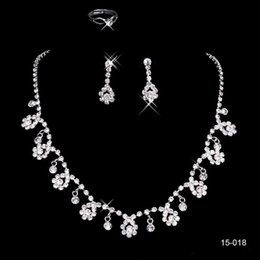 2017 Cheap Alloy Silver Rhinestone Crystal Flower Earring Earclip Lobster Clasp Necklace Set Bridal Jewelry Party