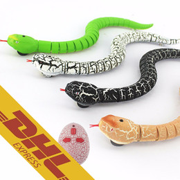 Wholesale 24pcs IR RC Snake Centipede Bionic Reptile Animal CH Infrared Remote Radio Control Ratlesnake Chilopod Scolopendra Tricky Brains Toys