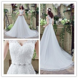 2018 New Beads Straps Lace Bridal Dresses Back Button Wedding Catwalk Rhinestones A line Sexy Sweetheart Chiffion Gowns