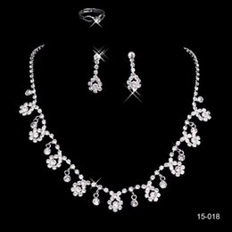 Wholesale Shiny Sliver Necklaces and Earrings Bridal Jewelry Sets Cheap In stock Fast Shipping Beaded Crystals Amazing Necklace for Prom Party