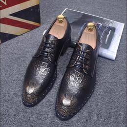 2017 los hombres hechos a mano de los zapatos oxford Los zapatos de vestido hechos a mano de los hombres, hombres Oxford del cuero genuino de la alta calidad, zapatos de cuero de los planos de los hombres liberan el envío barato los hombres hechos a mano de los zapatos oxford