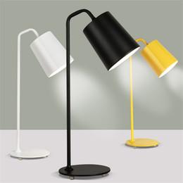 Mesa moderna habitación lámparas en Línea-Contemporáneo contraído lámpara de escritorio de LED de hierro forjado el aprendizaje que el escudo de un ojo creativo de la personalidad estudio oficina lámparas de mesa de dormitorio
