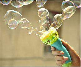 Wholesale High quality water tight non automatic electric gun bubble machine blowing Tubo Bolha toy sword bolha de sabao brinquedo