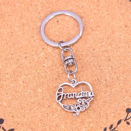 New Fashion grandma heart flower Keychains Vintage Antique Silver plated Keyholder fashion Solid Pendant Keyring gift