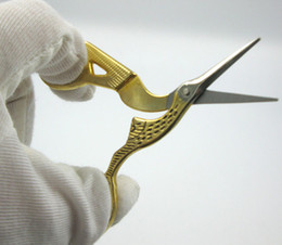 Descuento recortar las herramientas de corte Venta al por mayor-Vintage Antiguo arte artesanal de oro de acero inoxidable de coser de la grúa de costura Scissor Inicio Stork Tool bordado Corte de corte de tela