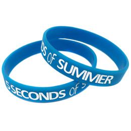 Wholesale 100PCS Lot 5 Seconds Of Summer Silicone Wristband Star Bracelet For 5SOS Music Fans Gift