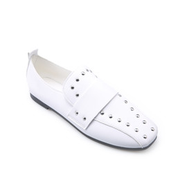 Wholesale 2017 spring advance stocking freezing point price promotion super hot fashion fashion personality rivets casual shoes