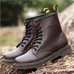 2017 new spring and autumn Martin boots women leather British wind high to help retro round single boots couple anti-skid students boots