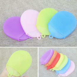 New style gloves shaped Soft easy cleanning FDA Silicone massage bath brush for body