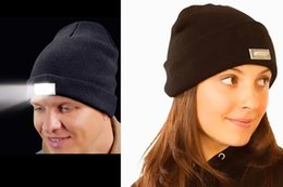 Wholesale LED Lighting Knitted Hats Women Men Camping Cap Travel Hiking Climbing Night Hats Warm Winter Beanie Light Up Cap FEDEX DHL Shipping