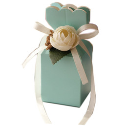 2019 New Arrive Wedding Favor Boxes Paper Sweety Box Shaped with Beautiful Flowers Party Gift Package European Hot Selling