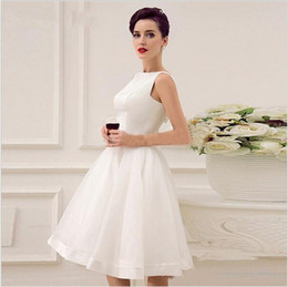 2017Cheap White Short Graduation Dresses 2017 Sleeveless A-Line Knee-Length Satin Homecoming Dresses with Prom Party Dress