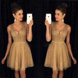 2017 New Sexy Gold Short Homecoming Dresses A Line V Neck Beaded Crystals Ruffles Mini Cocktail Prom Gowns Vestidos de fiesta